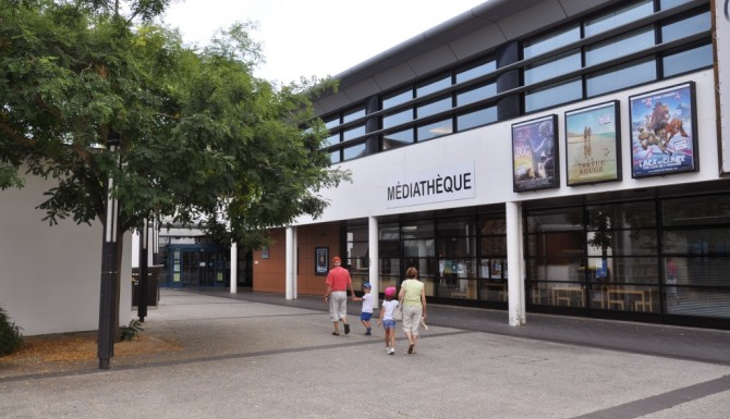 façade extérieure de la médiathèque