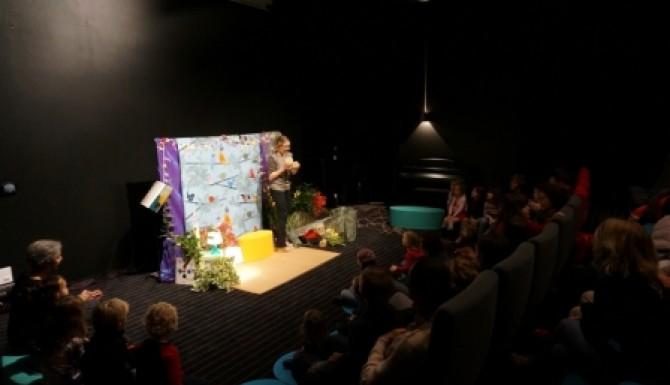 spectacle pour enfants dans l'auditorium