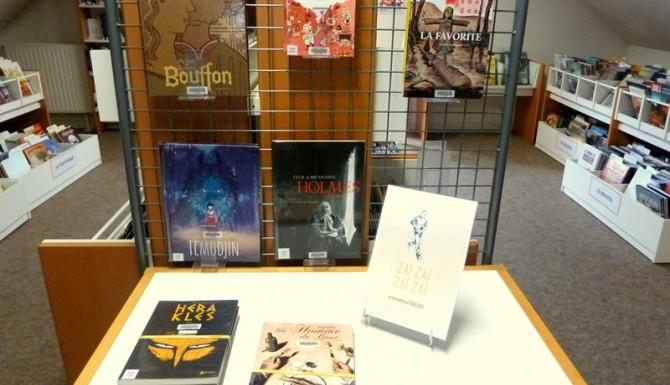 table de présentation de bandes dessinées