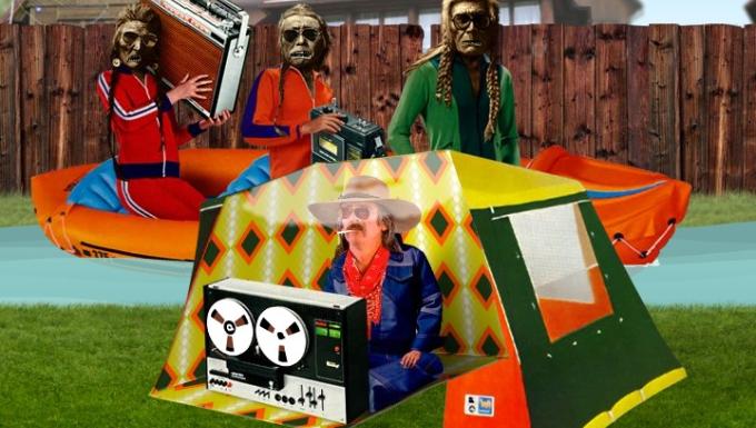 Collage de photographies et dessins