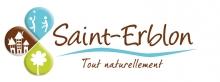 """logo de la ville de Saint-Erblon (trèfle à 3 pétales bleu, marron et vert avec texte """"Saint-erblon tout naturellement"""""""