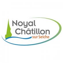 Logo de la ville. À gauche, une forme végétale ressemblant à un épicéa, une forme vague symbolisant un cours d'eau. et le nom de la ville en gris et orange