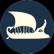 Logo représentant une caravelle antique de couleur crème sur fond bleu marine.