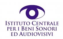 Lettres stylisées violettes sur fond blanc. Le dessin d'un oeil est placé au-dessus du nom de l'établissement.