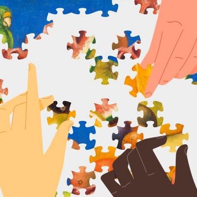 Illustration de mains réalisant un puzzle.
